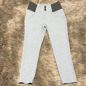HIGH-WASTED PANTS